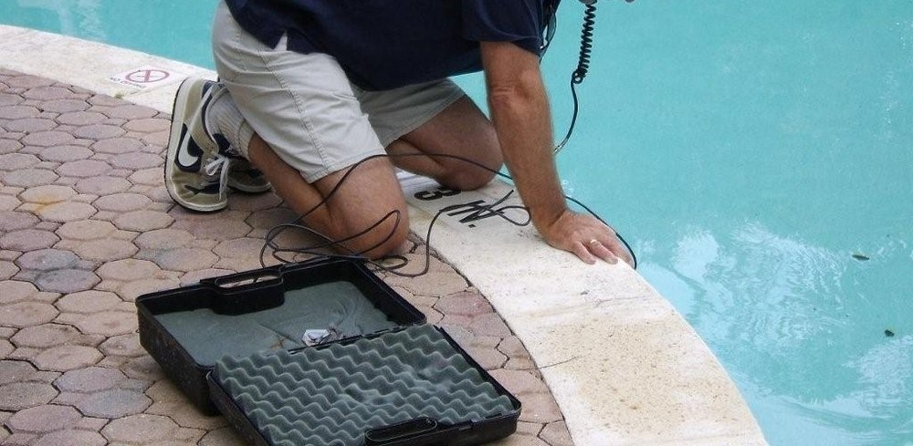 leak-detection-in-swimming-pool-leak-detectors-ideal-placed-swimming-pool-leak-detectors.jpg