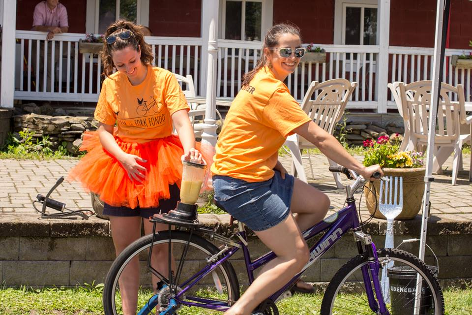 Bicycle blender Team Orange.jpg