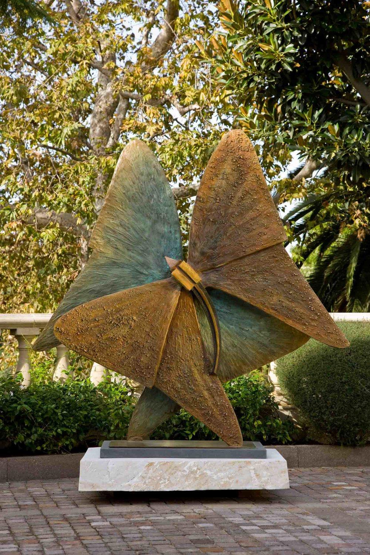 Sorarya-Nazarian-Sculpture-5.jpg