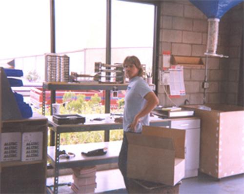 Leonard DR Shipping 1990.jpg
