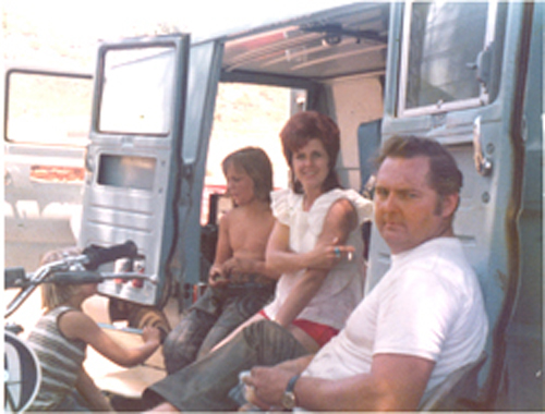 Loren, Judie and Danny Duncan at Races 1976.jpg