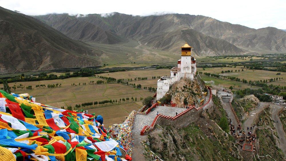 tibet-970424_1920.jpg
