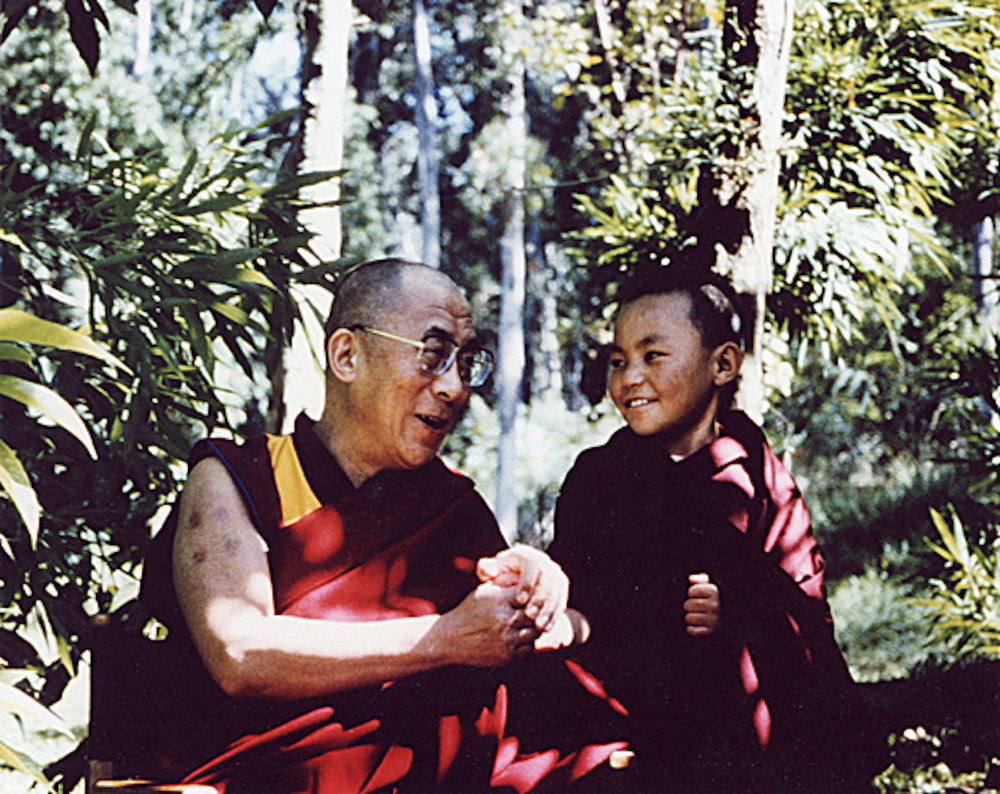 HH the Dalai Lama & Nechung Rinpoche, NDDL 1994, photo by Diego Hangartner