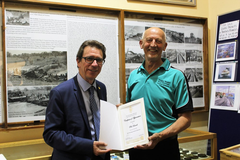 Wagga MP presents certificate of appreciation to Phil Horwell .jpg