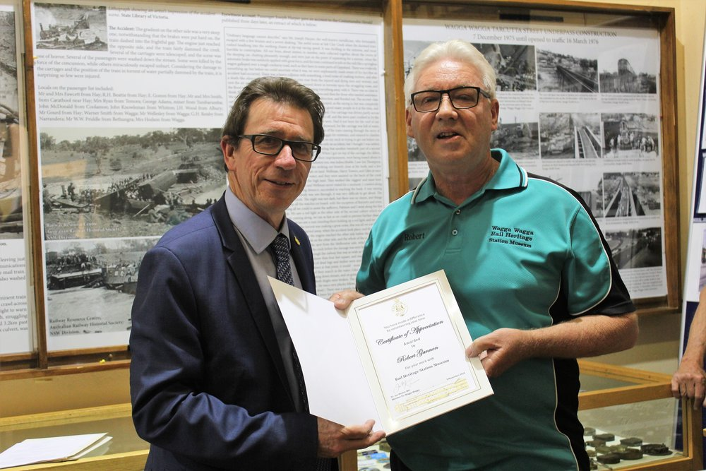 Wagga MP presents certificate of appreciation to Robert Gannon.jpg