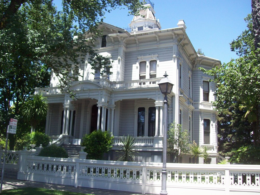 McHenry Mansion - 906 15th Street Modesto CA 95354recreation@modestogov.comRental Coordinator - 209-652-7190CapacityFirst Floor - 45 seated, 60 standingBasement - 72 seated, 120 standingGarden - 200Rental Fees: $1034 - 5 hour minimum, $97 each additional 1/2 hourPlus refundable deposits (equal to 1/2 rent total)Certificate of Insurance is requiredAmplified music and dancing in garden area onlyAlcohol is allowed (some restrictions)