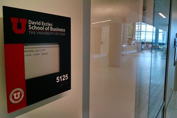 university-of-utah-electronic-paper-sign.jpg