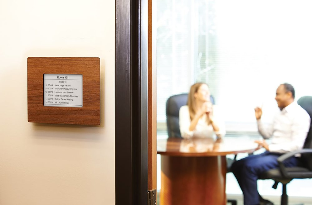 electronic-paper-meeting-room-wall-mounted.jpg