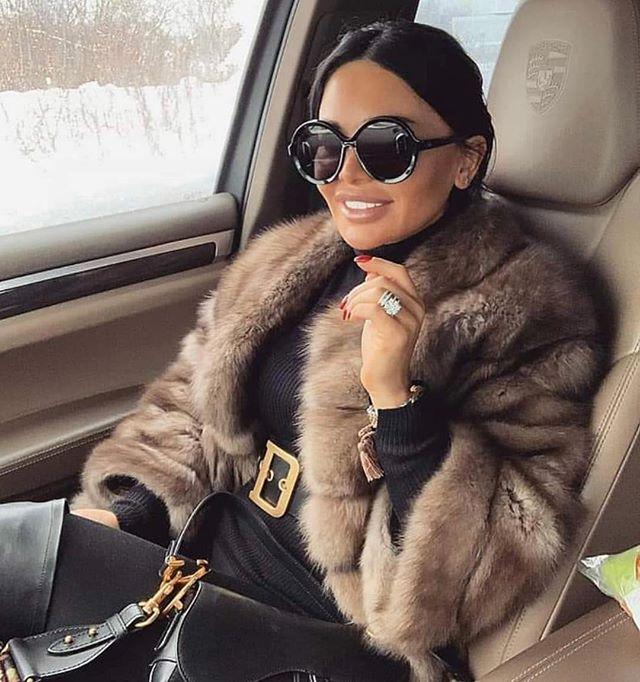 Whose ready for a rode trip?! #winter #wintercharm #bloggerstyle #matilda #onthego #newyork #destinyschild #ladyleaveyourmanathome #upstate #makeinmoves #louisvuitton #ferragamo #gucci #balenciaga