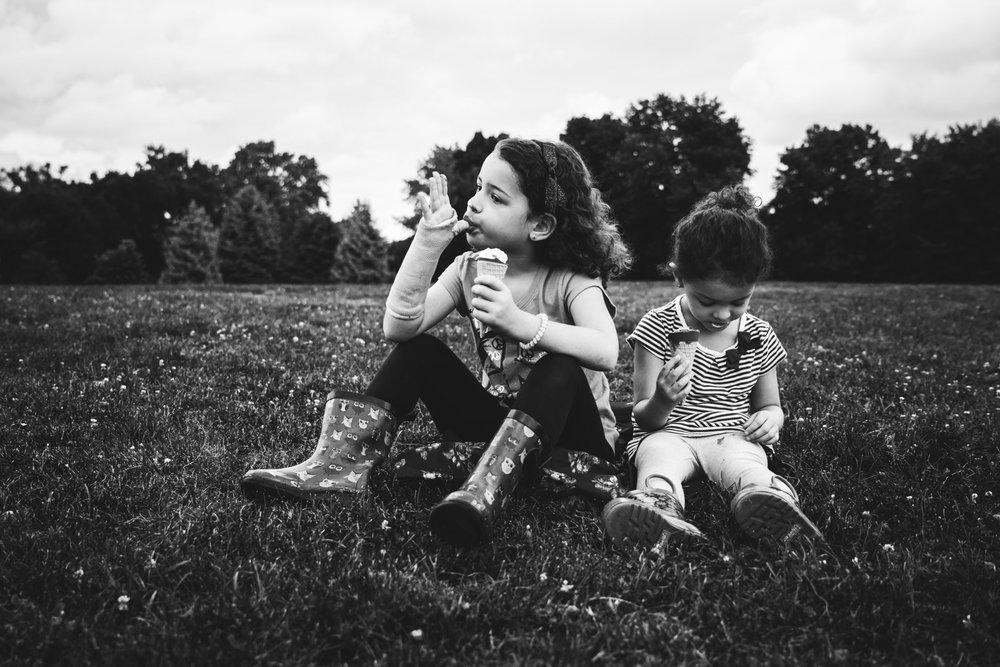 sisters eating ice cream. Alicia Mayorca Photography | Chicago Couple + Maternity + Family Photographer.jpg