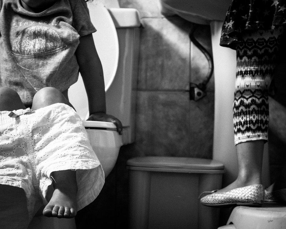 potty training moments. Alicia Mayorca Photography | Chicago Couple + Maternity + Family Photographer.jpg
