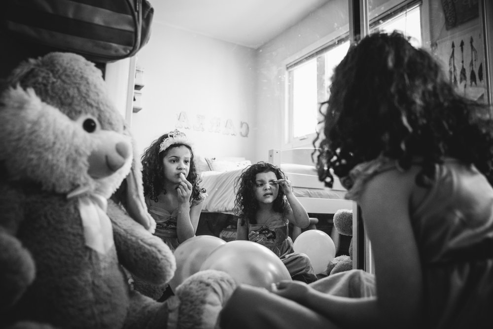 girls and make up, lesson 1. Alicia Mayorca Photography | Chicago Couple + Maternity + Family Photographer.jpg