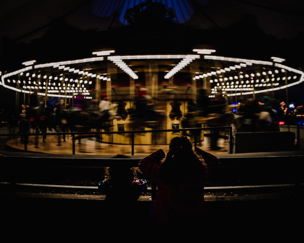 girls and the carrousel. Alicia Mayorca Photography | Chicago Couple + Maternity + Family Photographer.jpg