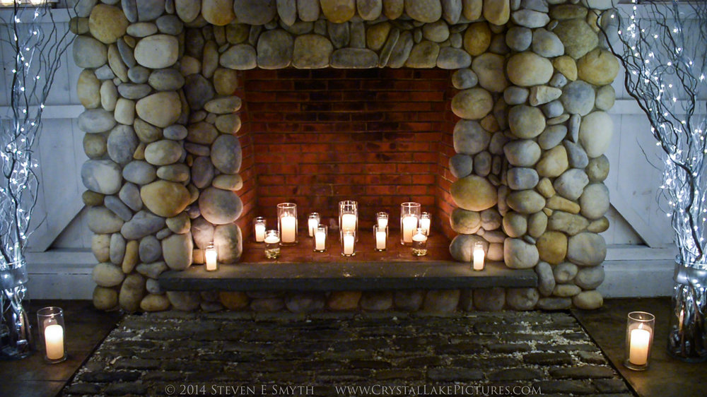 0009_2014NYE_fireplace-2.jpg