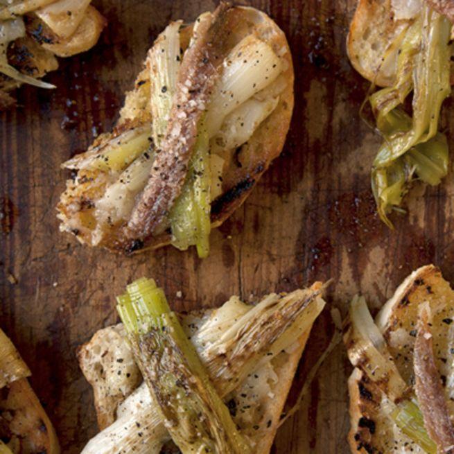 Leeks and garlic on toast