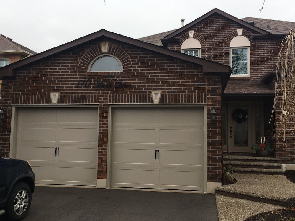Richards-Wilcox — Grandview Recessed Smooth Ranch in Sandstone