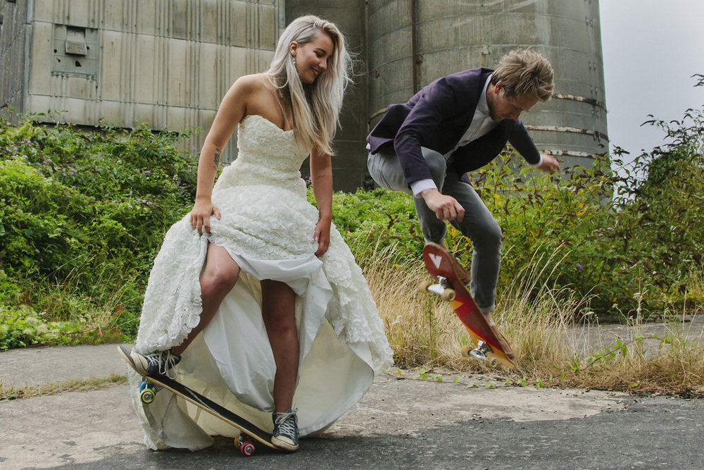 Photomadly-bride-skateboard.jpg