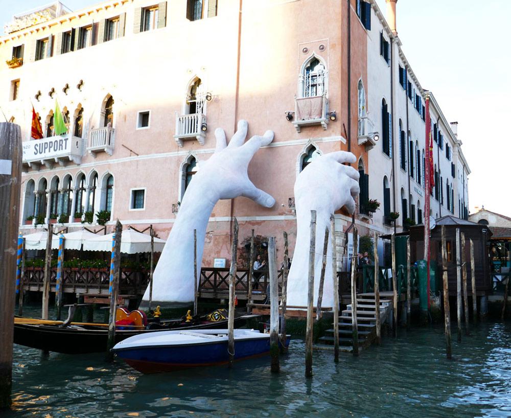 Support, Sculpture by artist Lorenzo Quinn