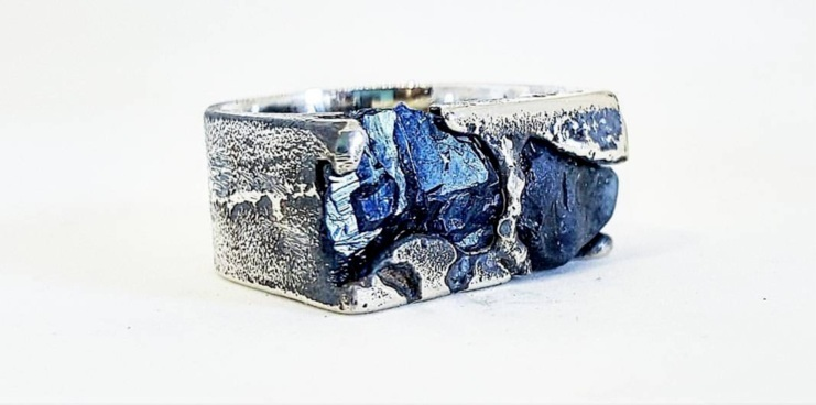 UnEarthed Workshop with Kirra-lea Jewellery - Learn to cast pieces of jewellery in sand (delft clay). Casting is great fun and we will be casting in place rough Australian sapphires! - BOOK NOW!