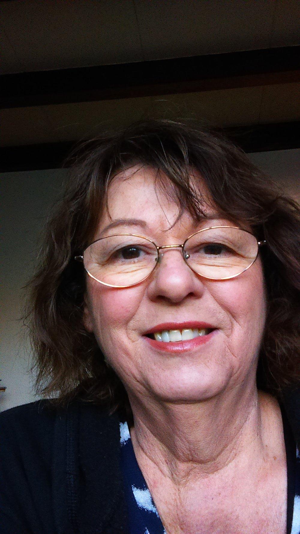 Linda Lavie, Painting & Drawing Lab & Mixed-Media