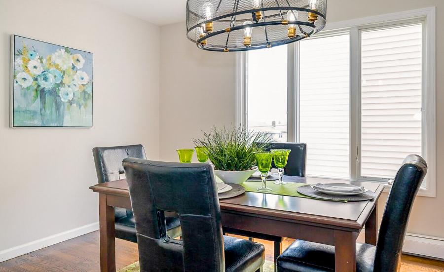 spaces-that-speak-bergen-nj-home-stager-dining-room..jpg