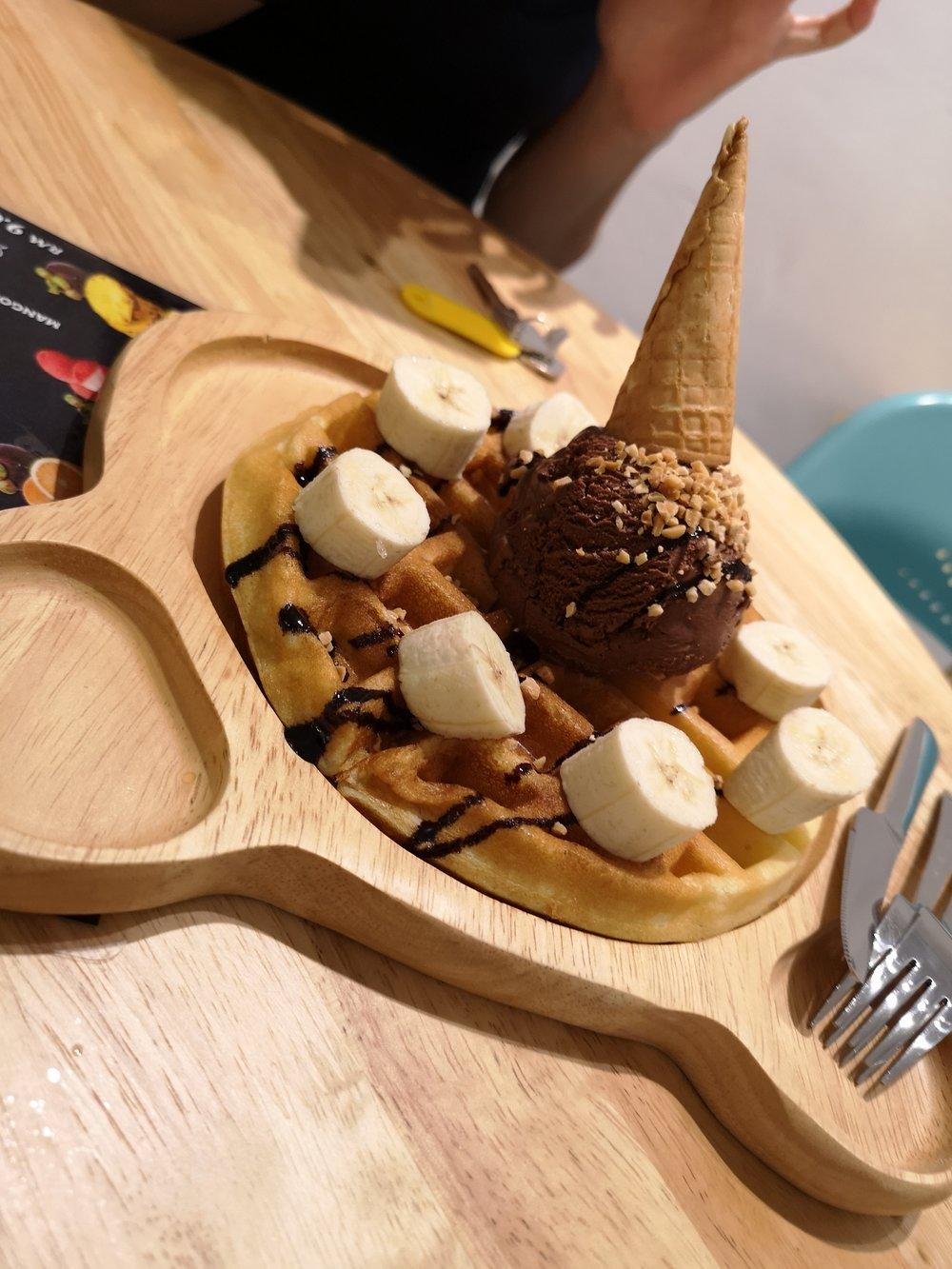 Jojo Ice Cream Bukit Indah Waffle