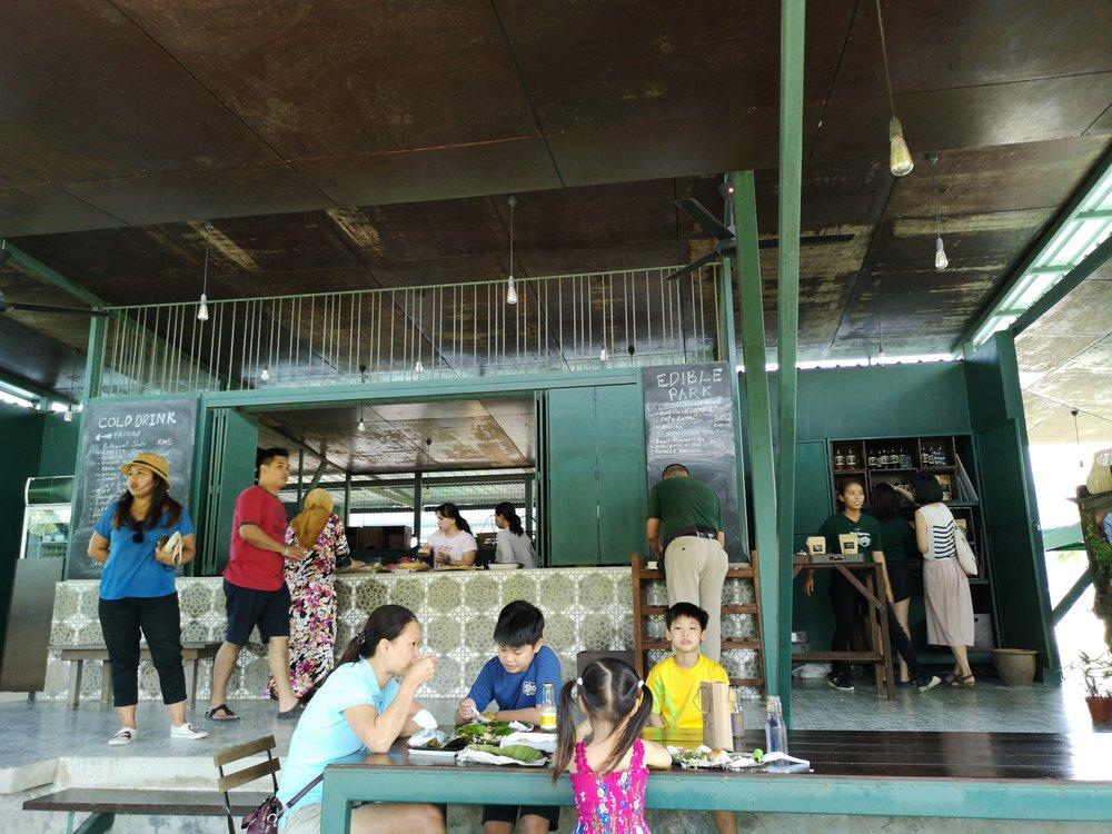Edible Park Nusajaya - Food, Drinks & A Beautiful Park!