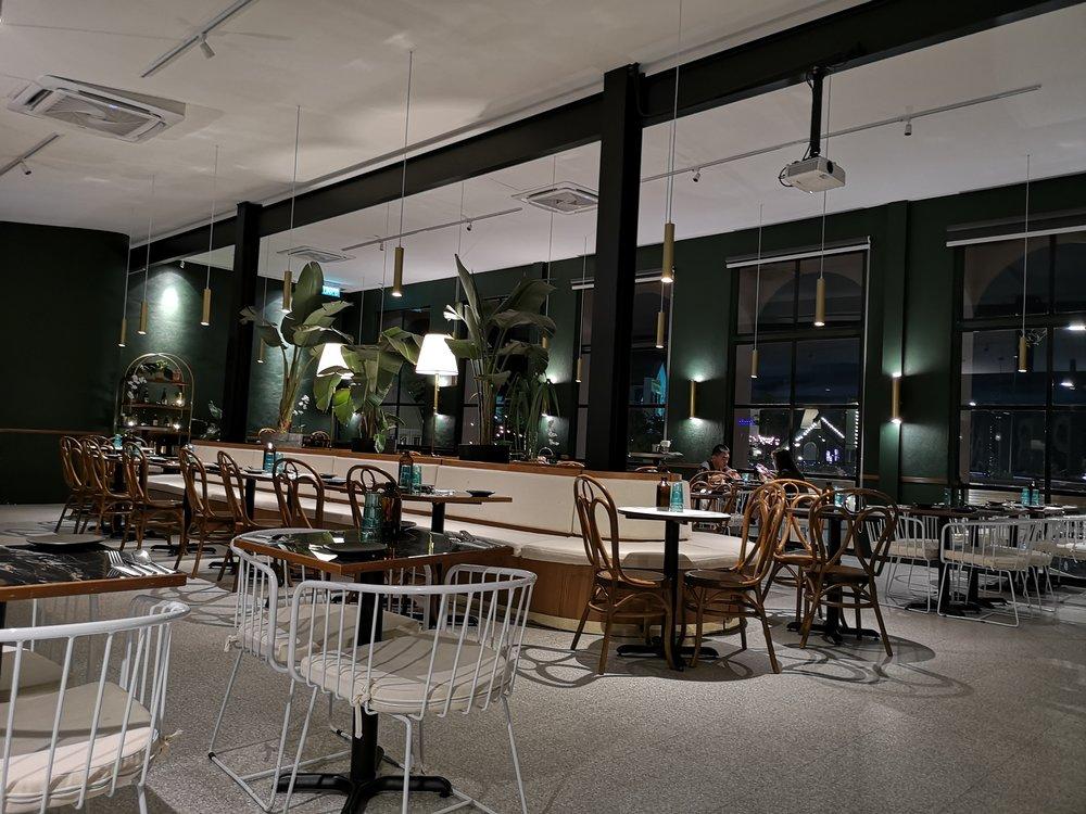 Tropique Cafe Ambience