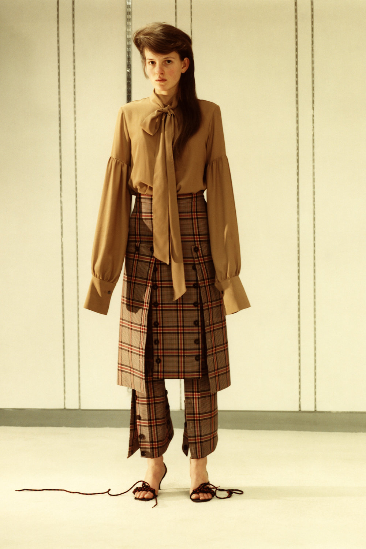 rokh_aw18_fashion_collection_magazine_vogue_04.jpg