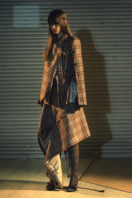 rokh_aw18_fashion_collection_magazine_vogue_05.jpg