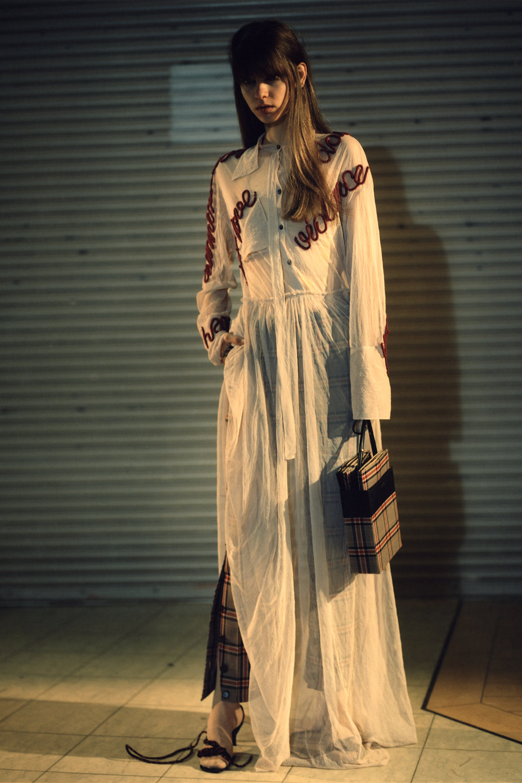rokh_aw18_fashion_collection_magazine_vogue_06.jpg