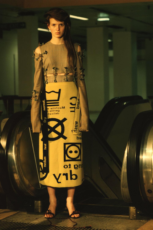rokh_aw18_fashion_collection_magazine_vogue_09.jpg