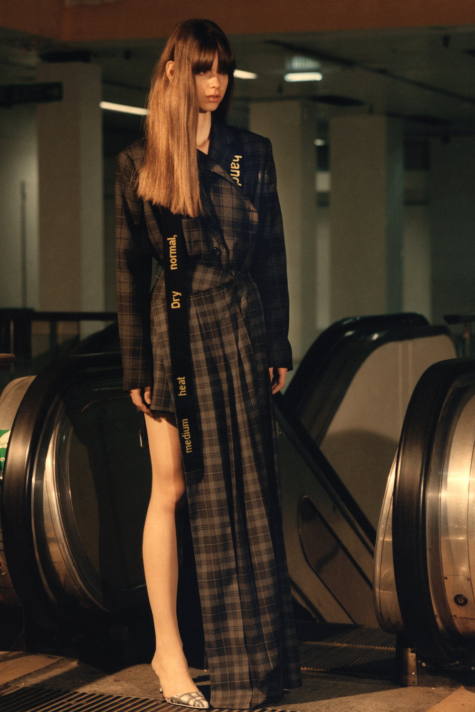 rokh_aw18_fashion_collection_magazine_vogue_11.jpg