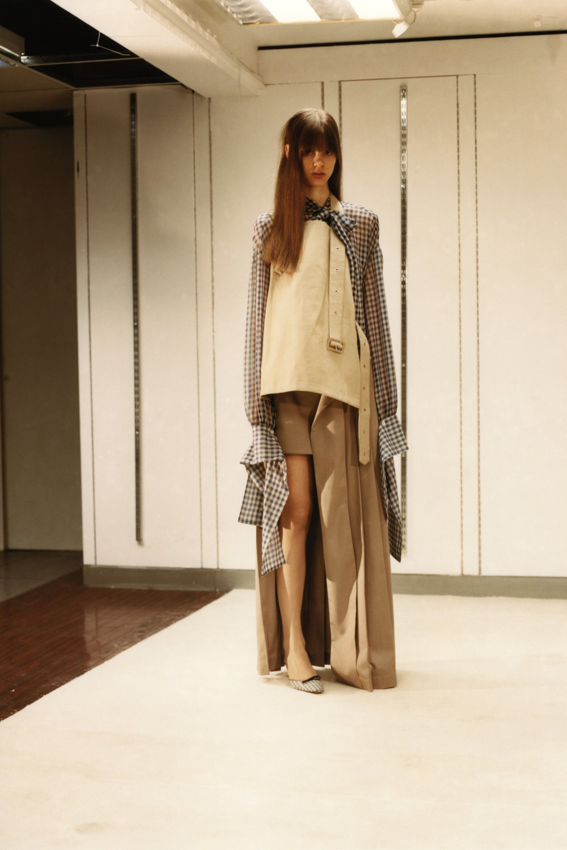 rokh_aw18_fashion_collection_magazine_vogue_16.jpg