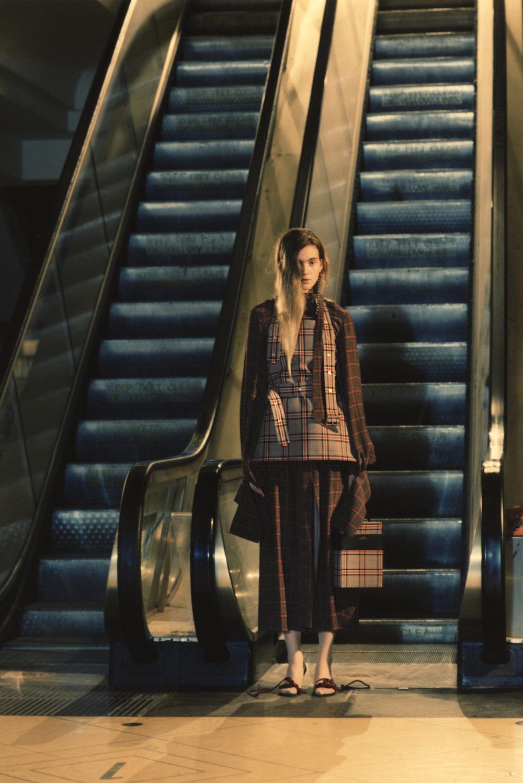 rokh_aw18_fashion_collection_magazine_vogue_23.jpg