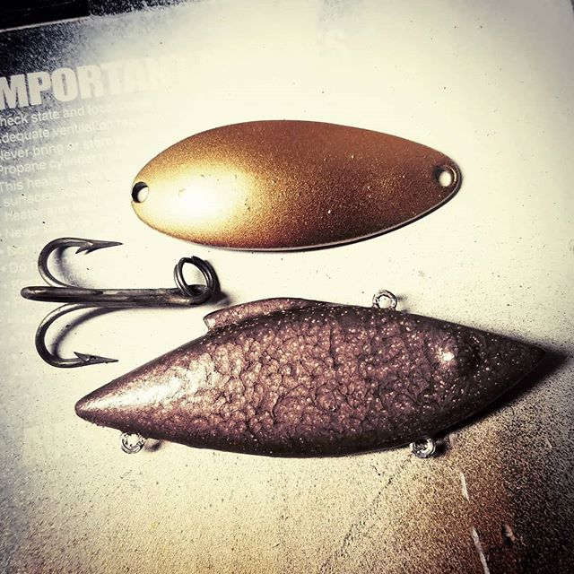 Refurbished Clio spoon and rattle trap (brand unknown) before finish painting. #tbt #bassfishing #canadafishing #lunkerhunt #handmadelures #customfishinglures #custompaint