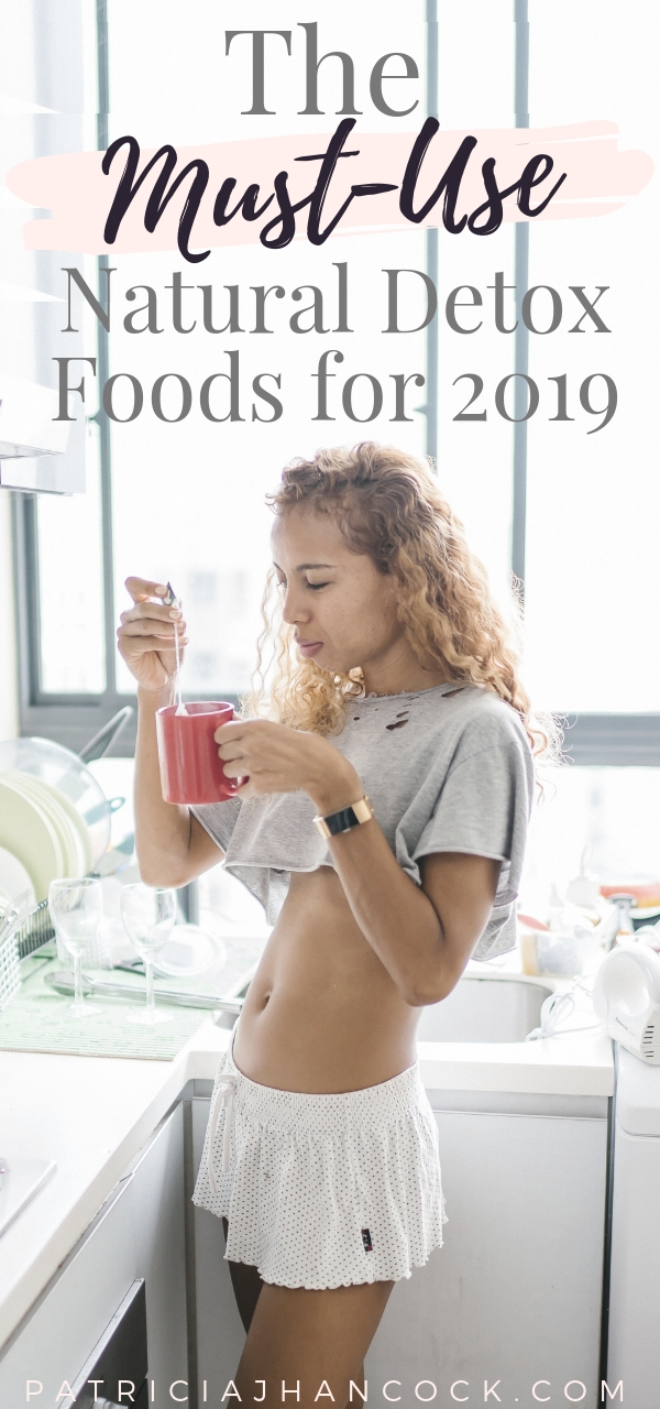 The ultimate list of the top, natural detox foods. This must-use list covers all of the best natural foods that cleanse & support your health. Includes easy, simple recipes for each! #detox #health #diet #recipes #natural #selfcare
