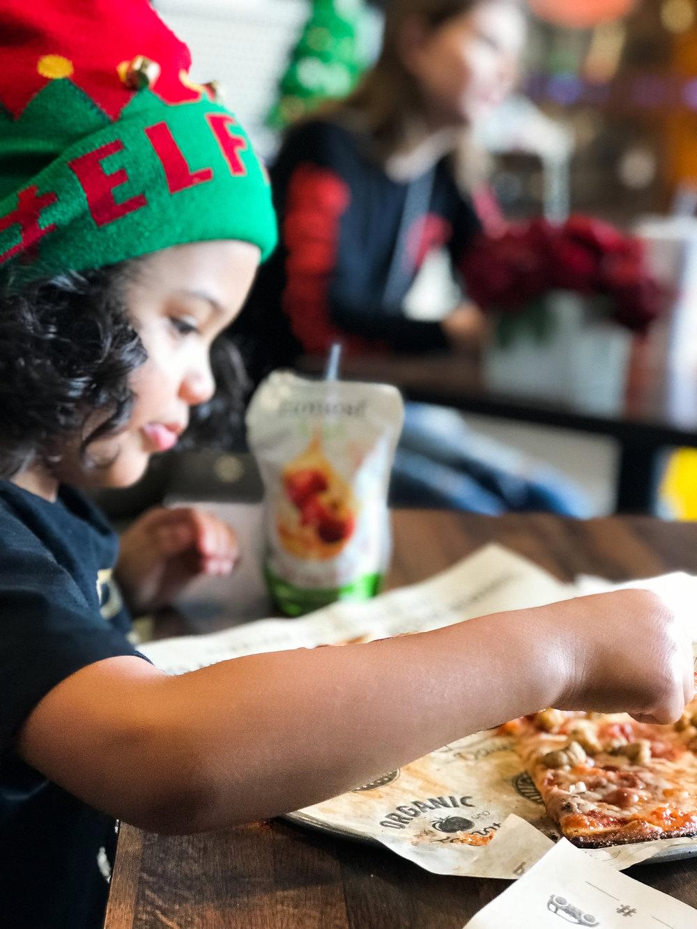 pizzarev-sacramento-pizza-cauliflowercrust.jpg