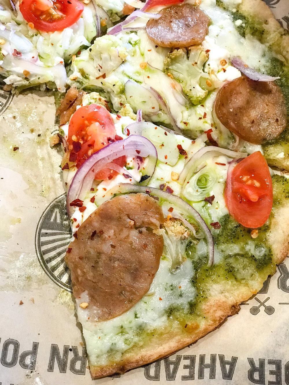 pizzarev-cauliflowerpizza-sacramento.jpg