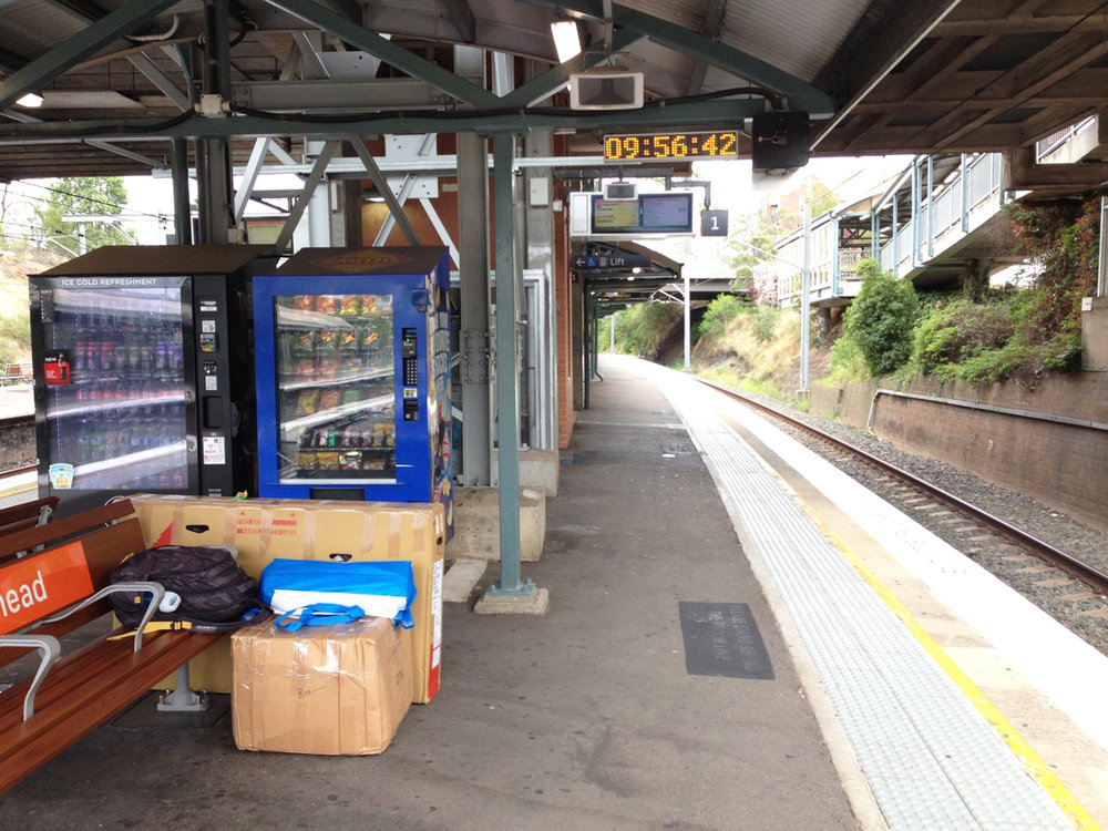 Done with looking around in Sydney, I wait on a platform at Westmead RIy Station, eager to catch up with my friends, Shruthi & Vivek, in Canberra; which would be a 3 hour bus ride from the Sydney Central Station.