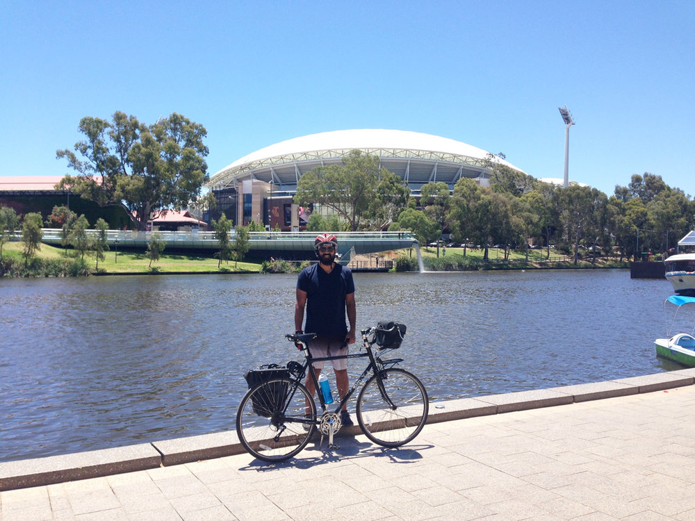 John And Mary decided to join me to cycle around the city. They showed me some beautify cycling paths through the ocean and around Adelaide city.