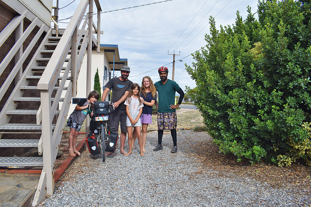 I wanted to find a camping before it grew dark. I started riding, when I met this beautiful family who allowed me to put up my tent in their backyard. Steve too is a cyclist who has cycled around Australia.