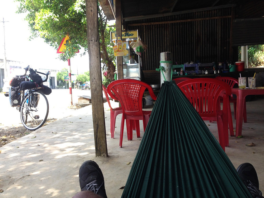 These hammocks are everywhere and really  good for people to take rest between 12 - 2PM to get away from the hot weather. I had sugarcane juice, which happens to be really nutritious.
