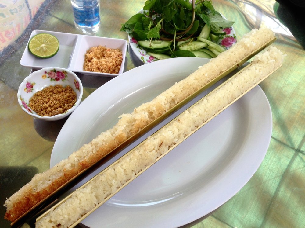 Com lam - Vietnamese sticky rice in bamboo tube