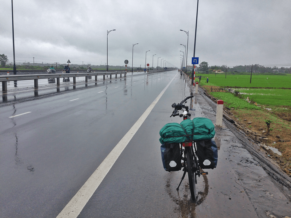 It was raining all the time in Hue. The weather changed just after crossing Hei Van Pass. It became cloudy, cold and it began raining all the time. I spent two days site-seeing, and got delayed one more day due to rain. I decided to anyway leave the next day, ignoring the rains.
