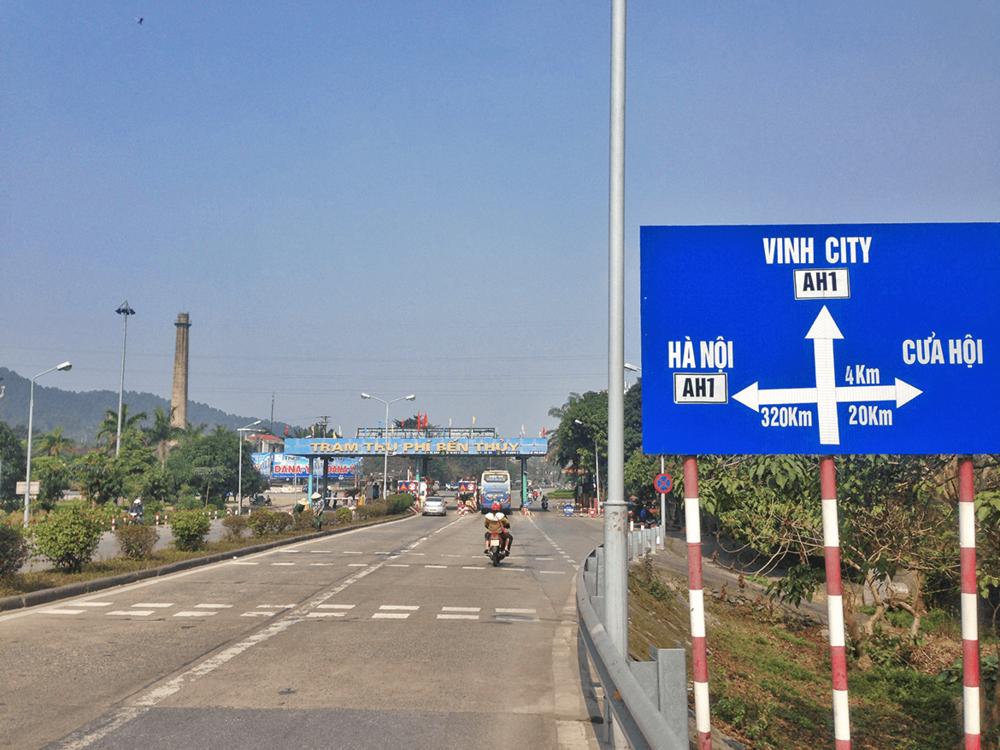 Entering Vinh City