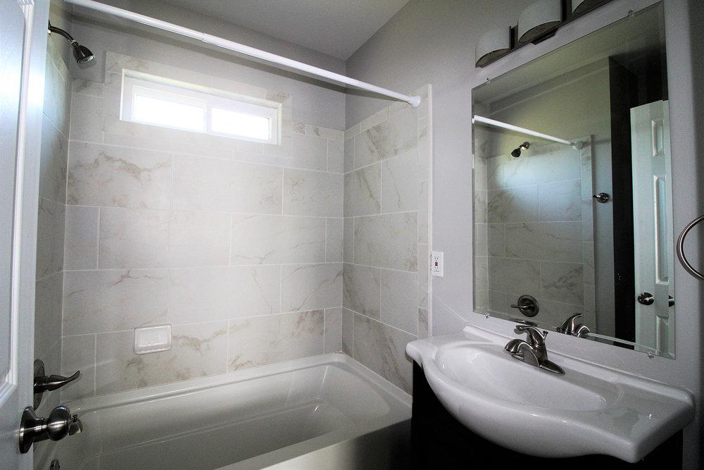 16557SanJuan_Bathroom1.jpg