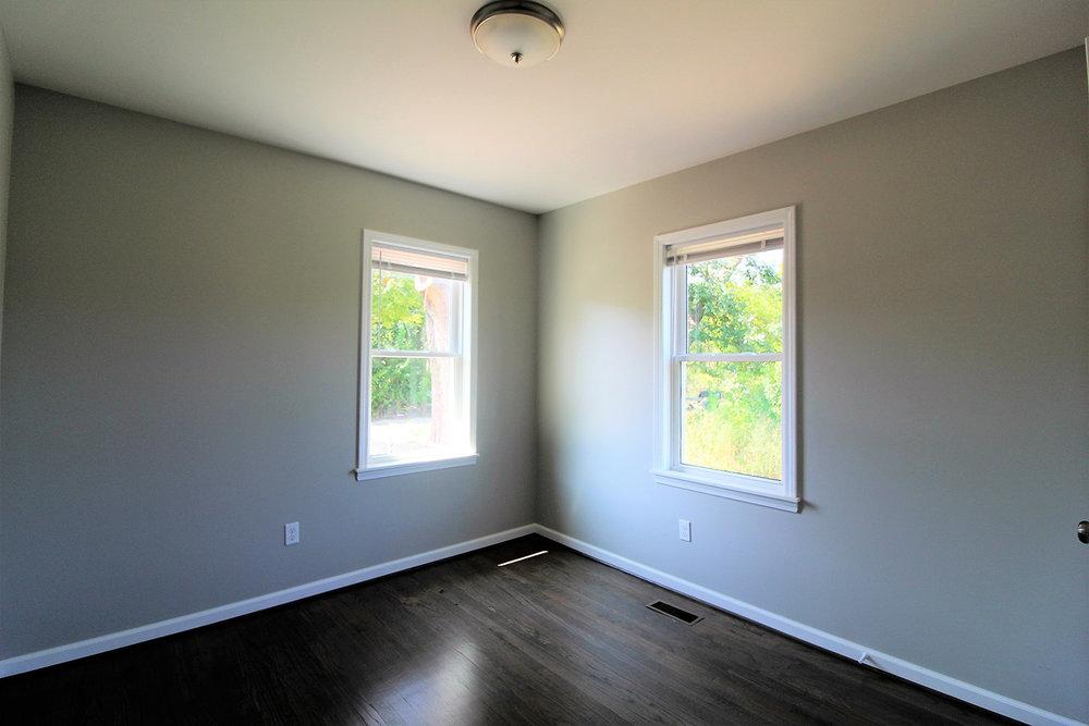 16557SanJuan_Bedroom1.jpg