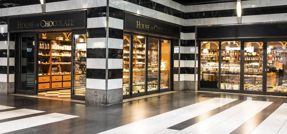 House-of-Chocolate-1-interieur-design-store-conzept-ladenbau-shop-ville-zuerich.jpg