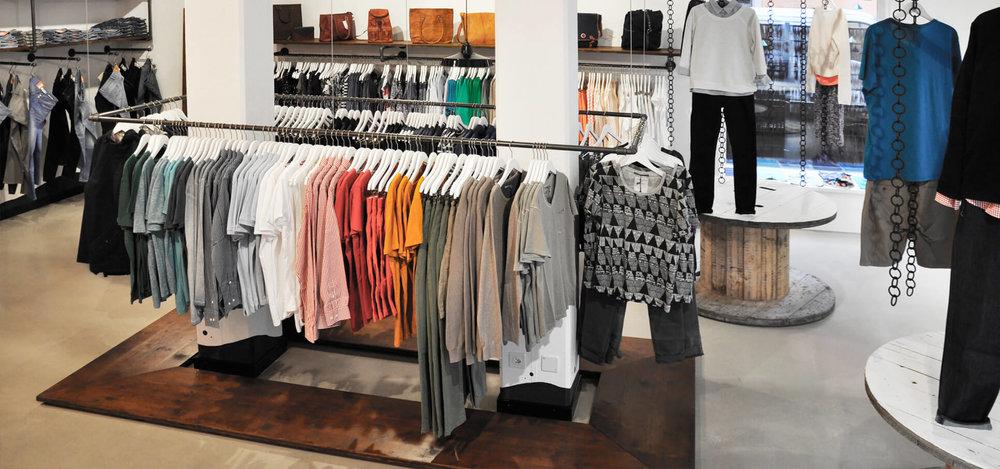 -glore-store-konzept-interieur-design-rohrfabrik-mobel-kleiderstander-4.jpg